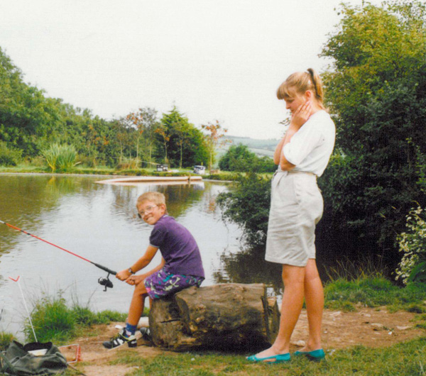 How not to hold a fishing rod